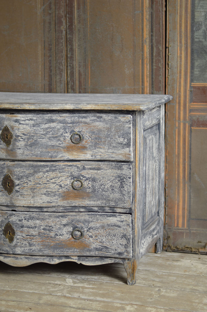 18TH CENTURY PAINTED FRENCH COMMODE