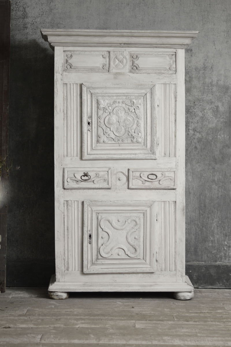 CARVED 18TH CENTURY FRENCH CUPBOARD