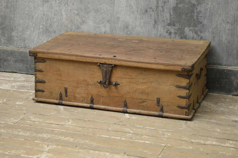 SWEDISH DOMED TRUNK