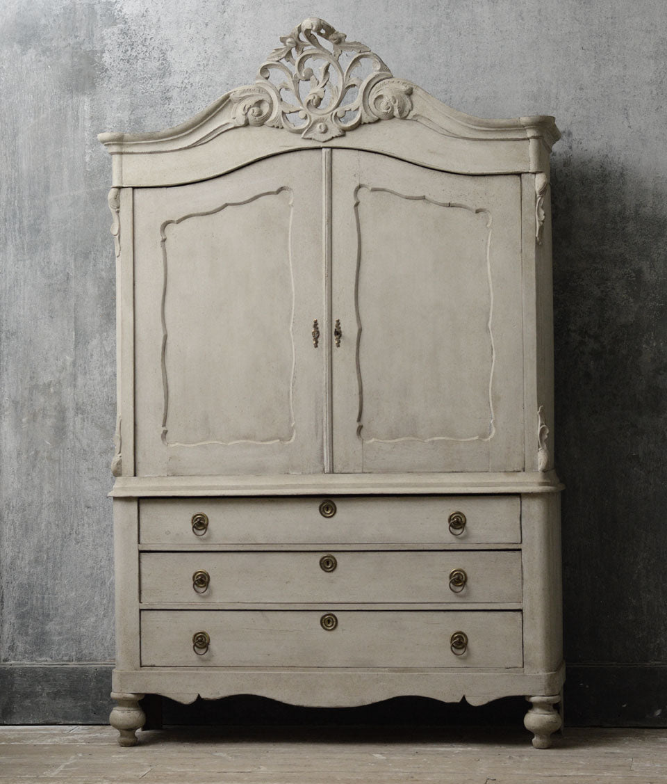 Dutch 19th Century painted linen press