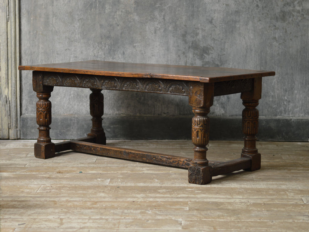 ENGLISH OAK 19TH CENTURY DINING TABLE