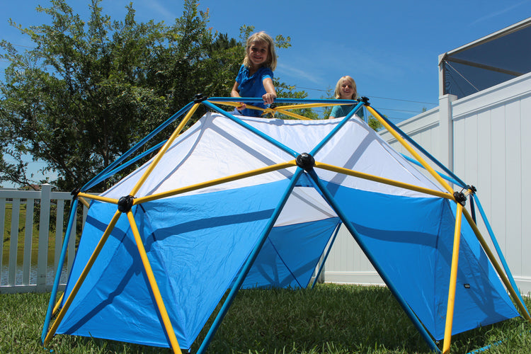 2 girls climbing a Zupapa dome climber with canopy