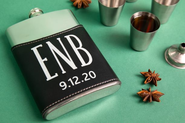 Monogrammed Flask Gift Set - The Wedding Market