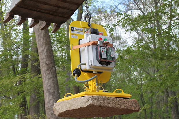 "Quick-E-ES Wireless Power Pack, ES Wireless Power Pack; Use the Es Wireless Power Pack to pick and release natural stone or wet cast products from the cab of your machine. Great for a 1 or 2 man crew! Photo shown with the ES Housing Unit, and ES 16"" x 18"" Pad"