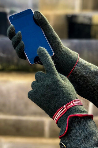 Wool Blend 'Smart' Gloves (Spruce & Cranberry)