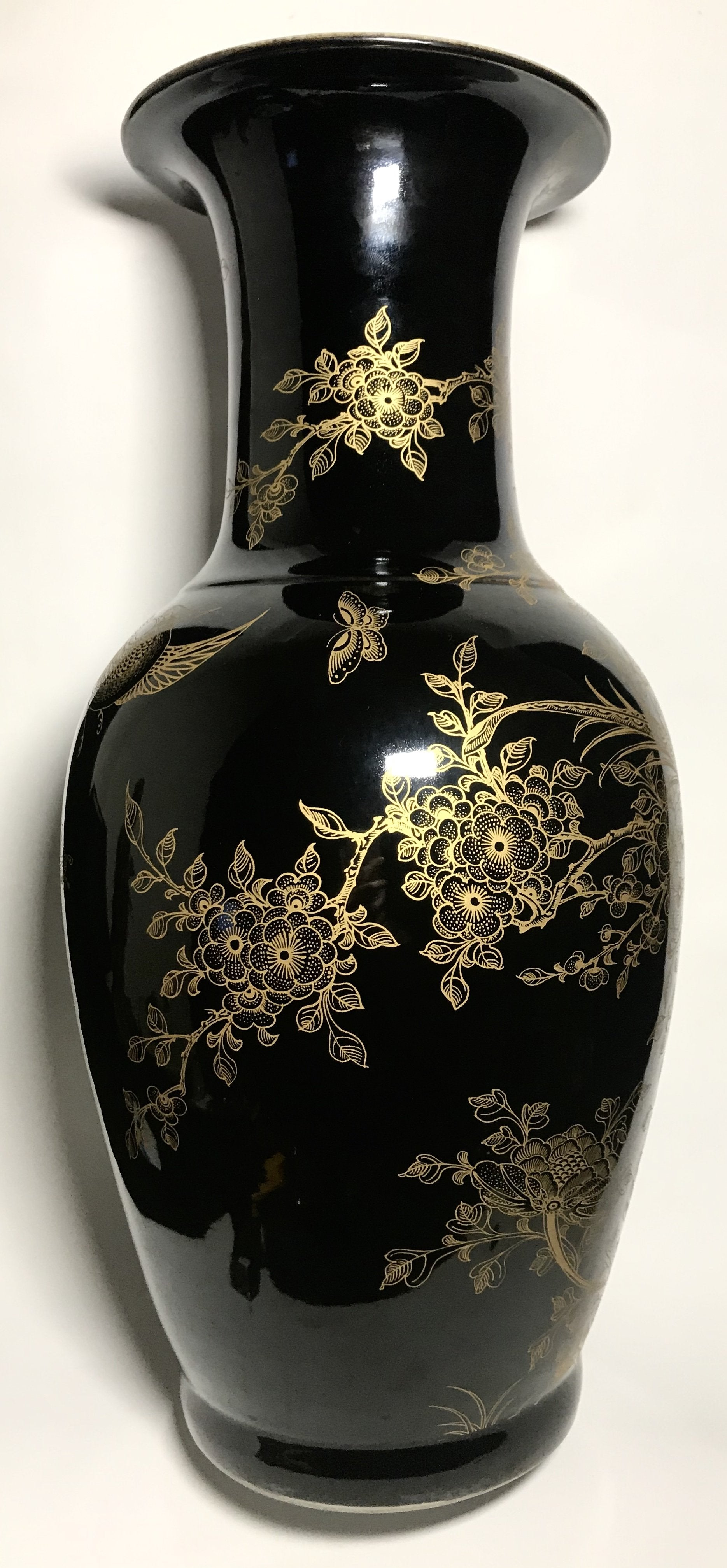 Qing Dynasty Black Mirror Vase with kangxi mark