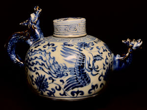 xuande blue and white teapot