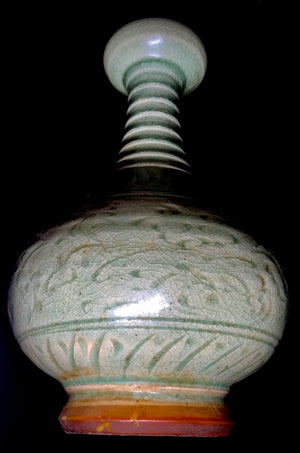 song dynasty garlic mouth vase