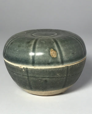 song dynasty lidded powder box