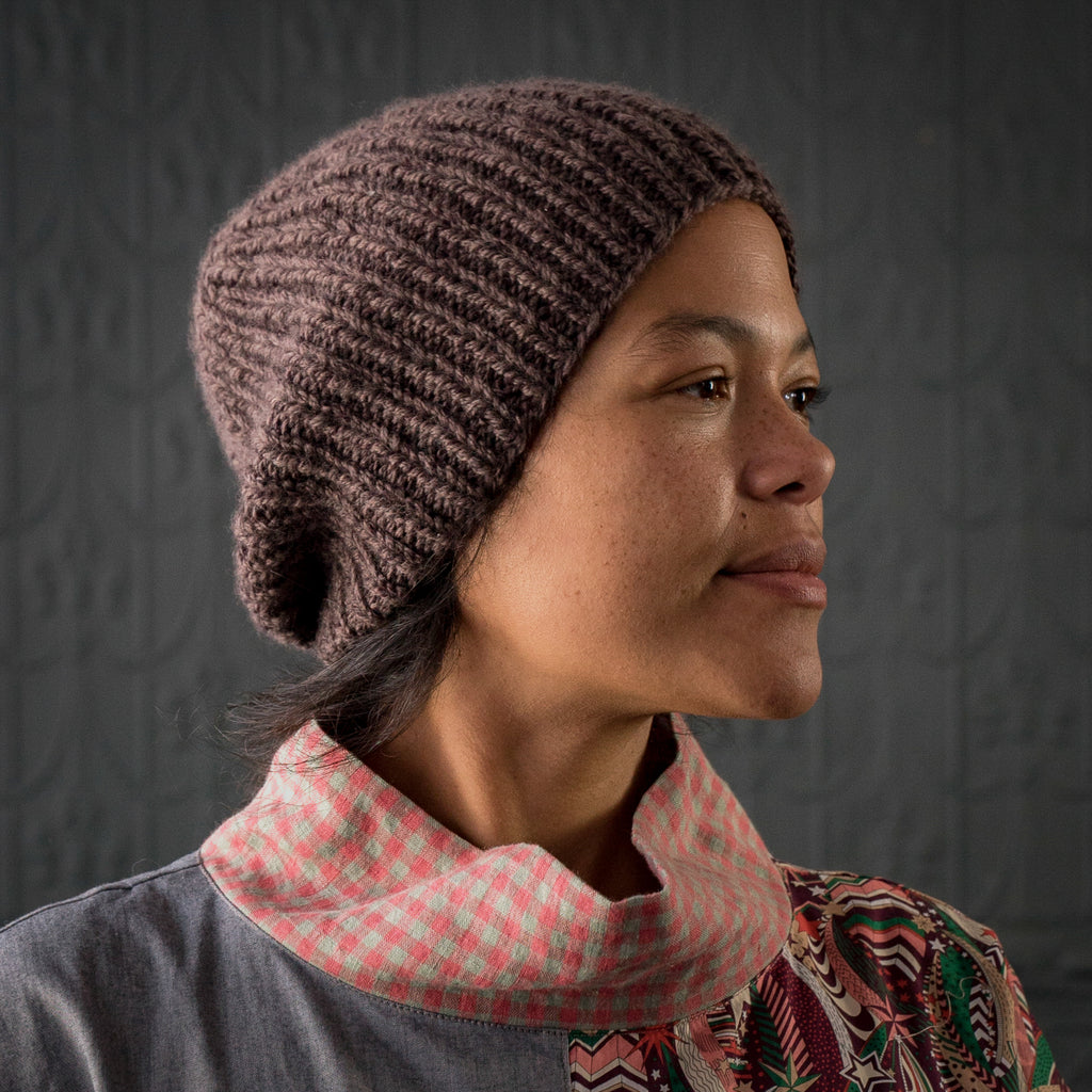 Ribbed Hat in Marled Brown