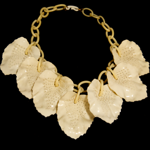 Unsigned 1950's Cream Link Necklace with White Leaf Detail