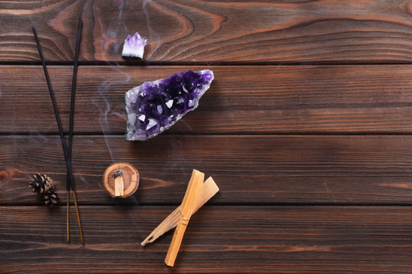 palo santo crystal cleansing