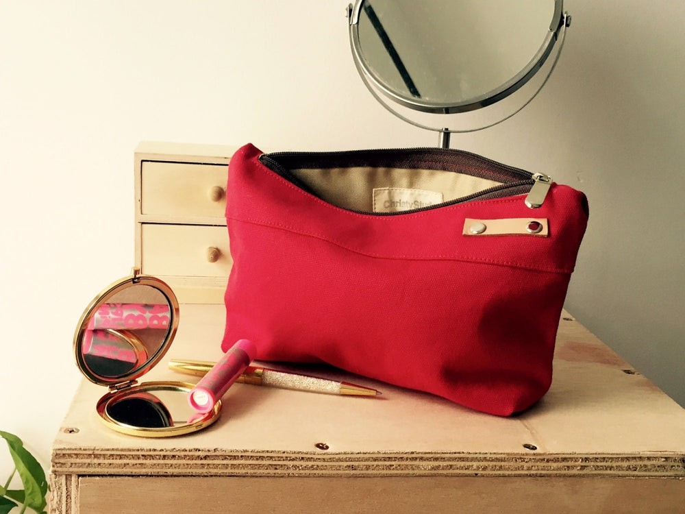 KELLY Cosmetic Pouch/ RED