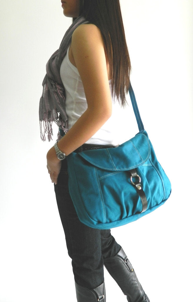 CLAIRE 103 Messenger Bag/ TEAL