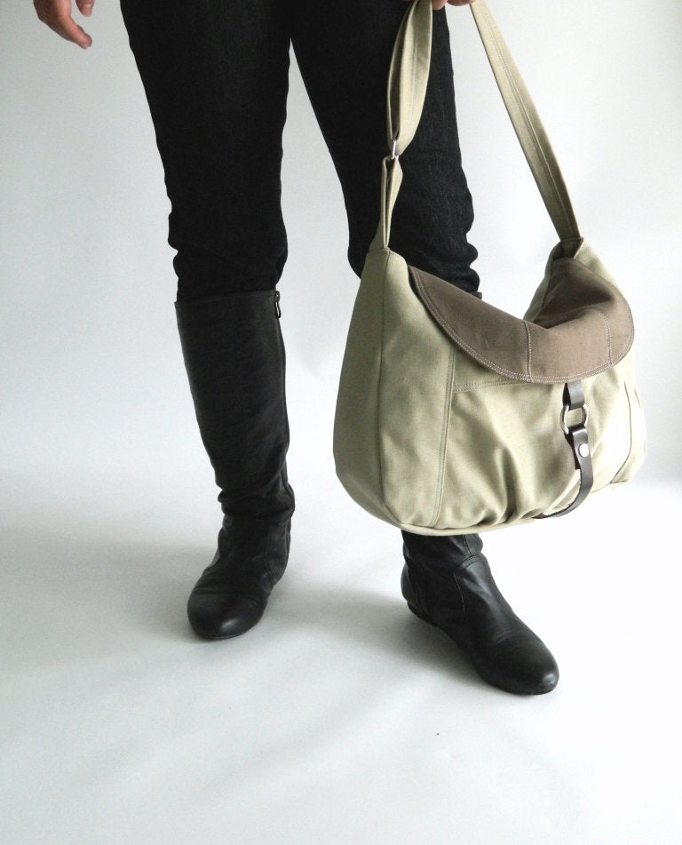 CLAIRE 103 Messenger Bag/ DUAL-TONE