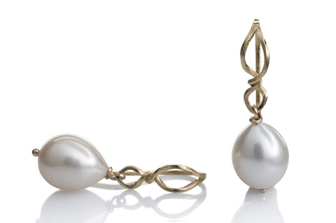 Kaprifol Earring Double Twist Gold Pearl