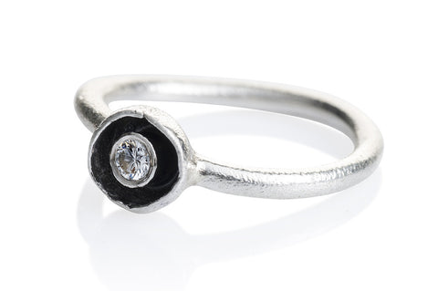 "Waterlily Ring Silver Diamond ""Embrace"" 007"