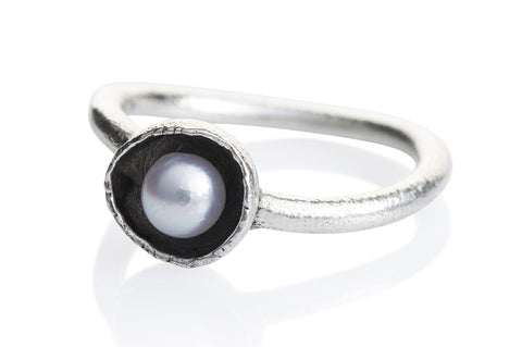 "Waterlily Ring Silver White Pearl ""Open"""