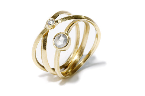 Kaprifol Ring Triple Airy Gold Diamonds