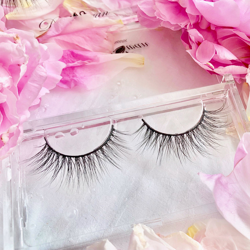 Heavenly mink lashes by Dark Swan of Denmark