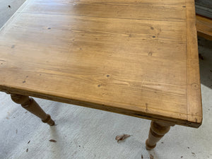 Pine Flip-Top Table