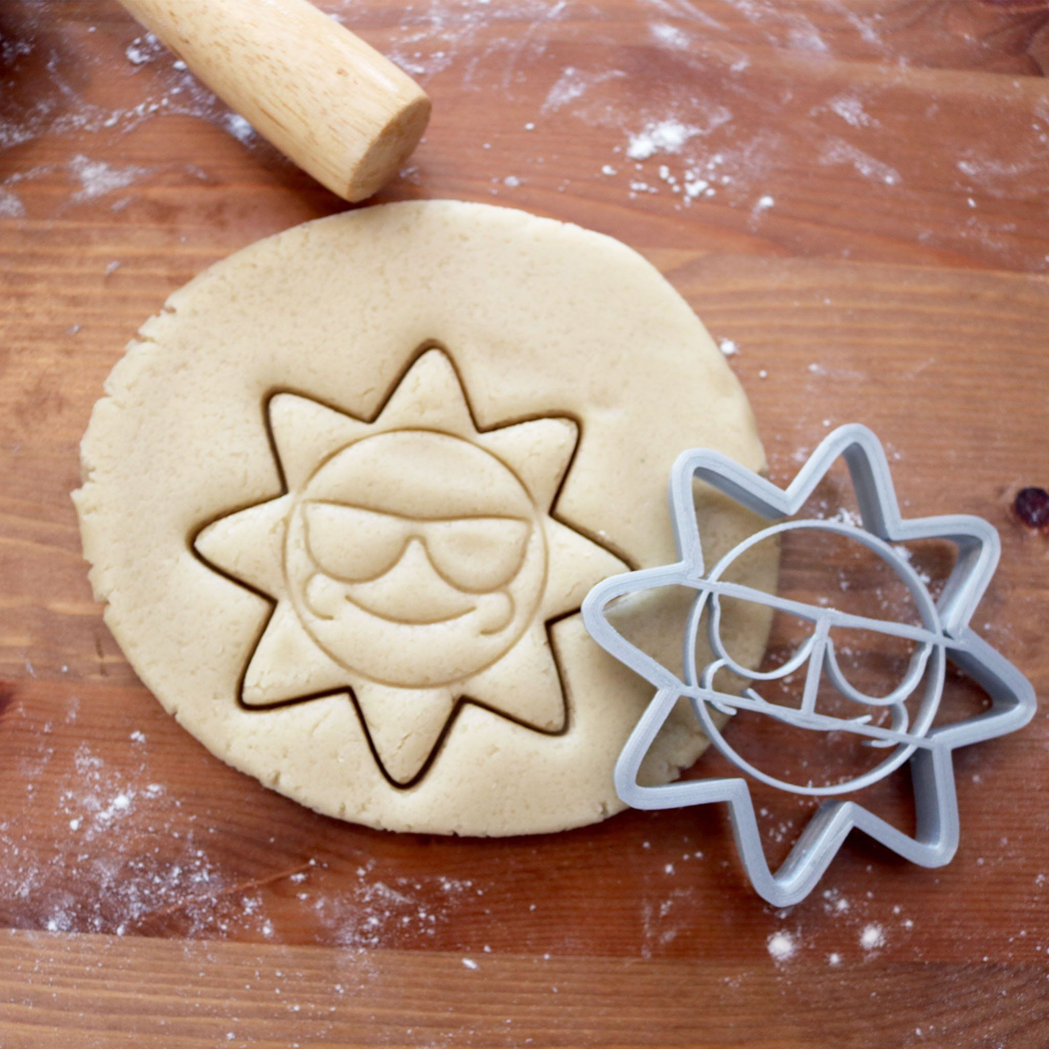 Chilling Sun Cookie Cutter