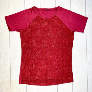 IN STOCK Juliet Lace Front Tee - Burgundy