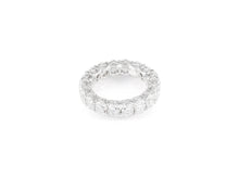 5.79ct 18kt White Gold Oval Cut Diamond Band
