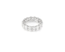 7.74ct 18kt White Gold Oval Cut Diamond Band
