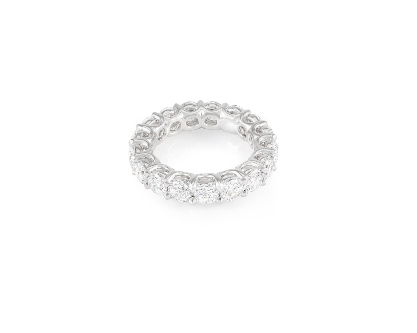 5.32ct 18kt White Gold Round Cut Diamond Band