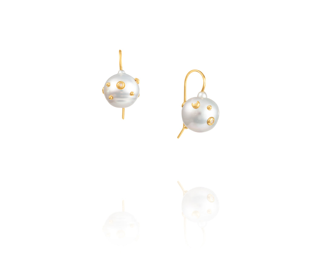 Baroque Freshwater Pearl Camelot Earrings
