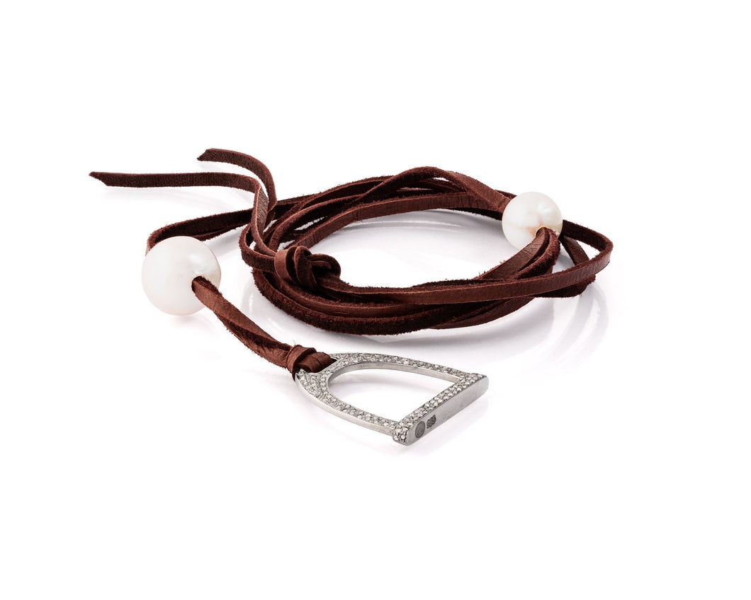 1.2ct Demure Stallion Stirrup Necklace | Freshwater