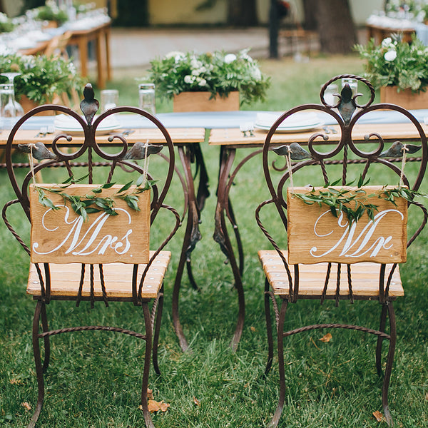 Backyard and Outdoor Wedding Flower Planning Tips
