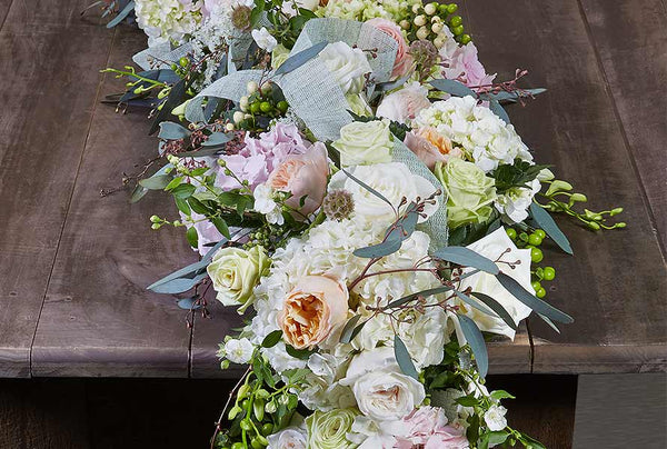 Tips for Gorgeous and Easy Floral Table Garlands