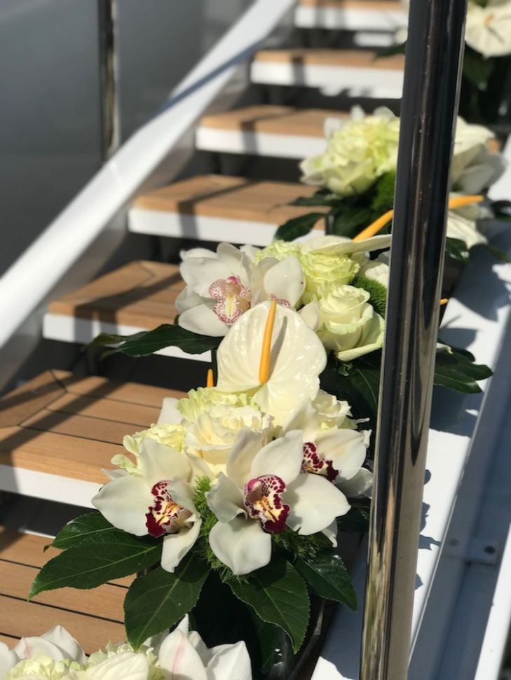 Yacht Flowers | OASIS Floral Products