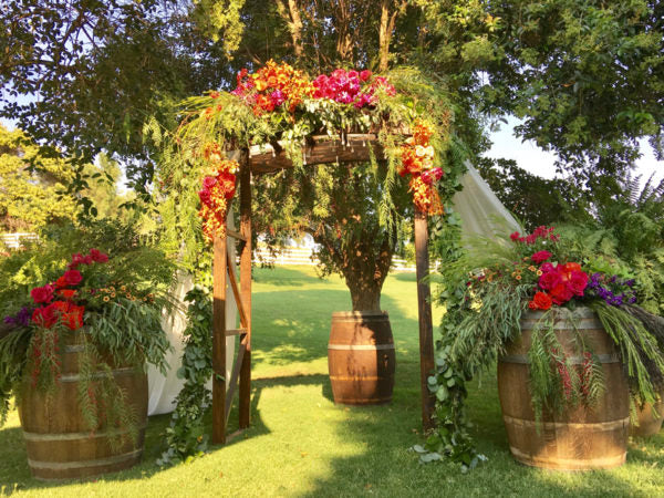 How Fresh Flowers Can Survive Hot Wedding Days