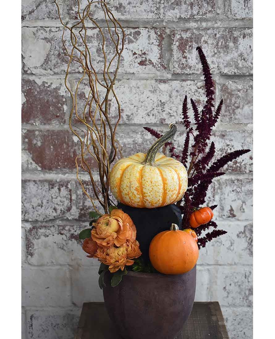 Pumpkin Floral Centerpiece Midnight foam | OASIS Floral Products