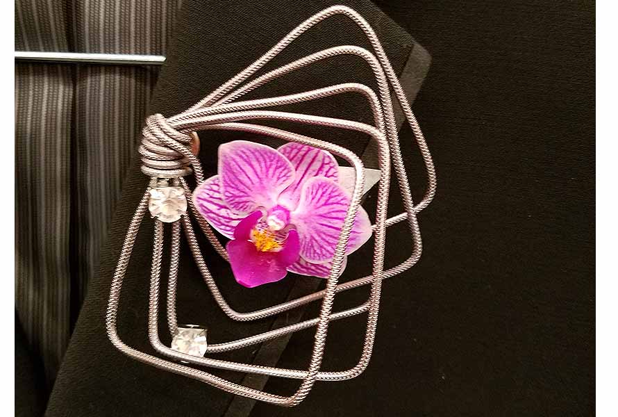 Floral wire jewelry Julia Schmitt | OASIS Floral Products