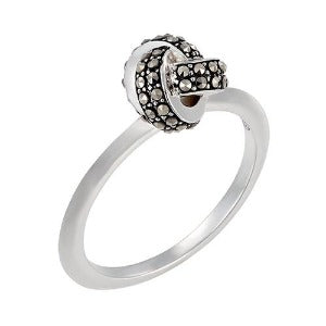 Classic Knot Ring: The Stardust Pavé Jewelry Collection by Jan Leslie