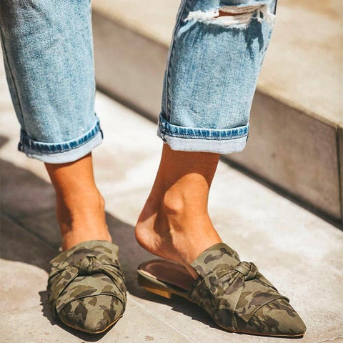 Chic Pointed Toed Camouflage Bow Flat Slippers