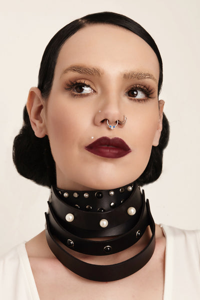 Sedna Leather Pearl Choker