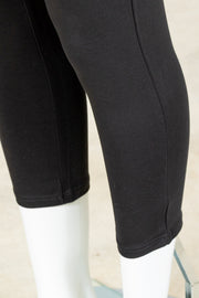 Tribal Flatten it Legging, Capri Length {Black}