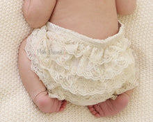 Load image into Gallery viewer, Baby Cotton Lace Bloomers Shorts
