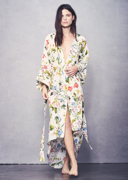Isabella Robe - Wallpaper Floral