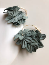 Load image into Gallery viewer, Nenufar Earrings Green