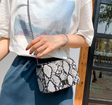 Load image into Gallery viewer, Zoey Handbag
