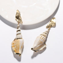 Load image into Gallery viewer, Two Piece -Seashell combined with Gold