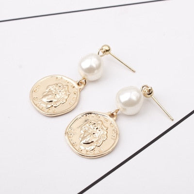 Upper Pearl Golden Coin Earring