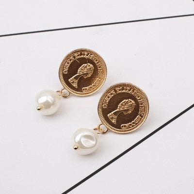 Lower Pearl Golden Coin Earring