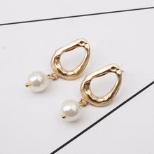 Load image into Gallery viewer, Sofia Earrings